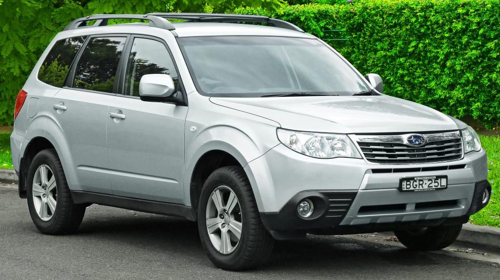 2008-2009_Subaru_Forester_(MY09)_XS_wagon_(2011-11-18)_01