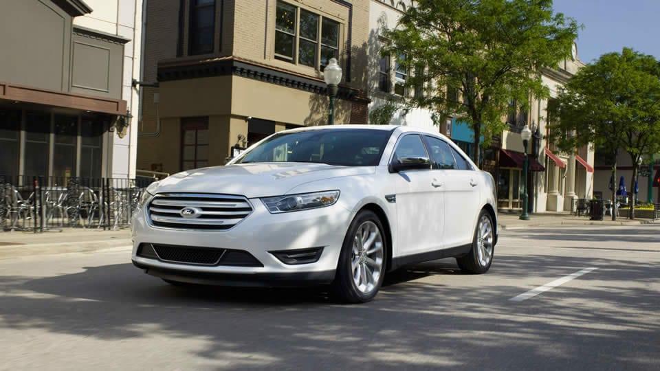 2016 Ford Taurus SHO Style